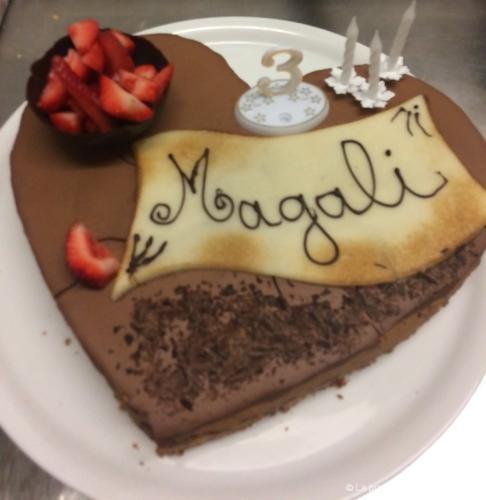 Entremet au chocolat personnalisé pour anniversaire